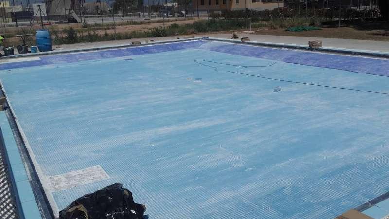 Obras en la piscina de Almàssera. EPDA