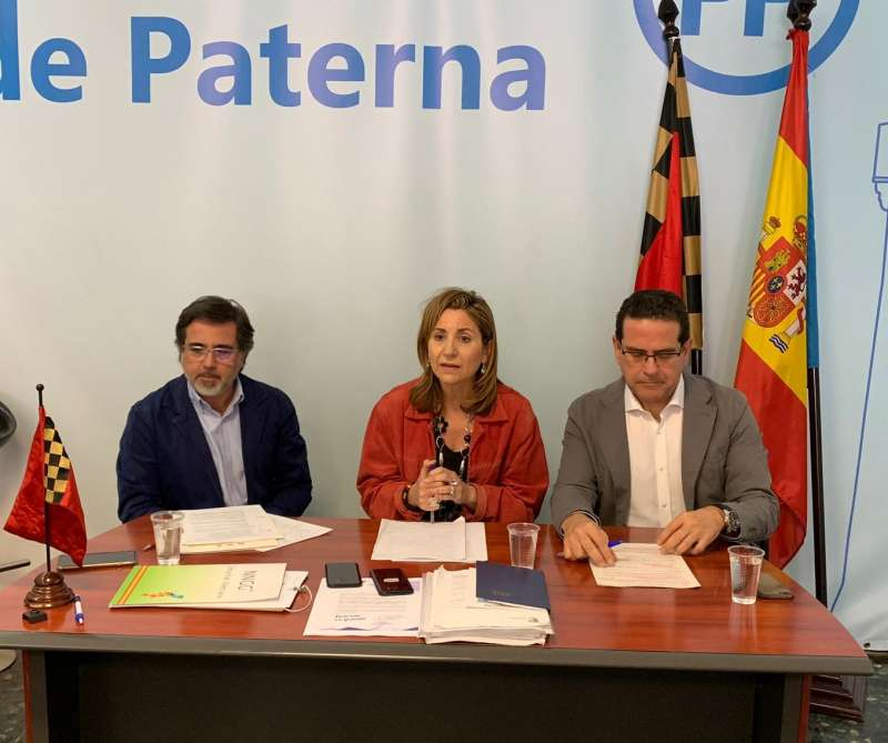 Castelló, Villajos y Bellver en la rueda de prensa en Paterna. EPDA