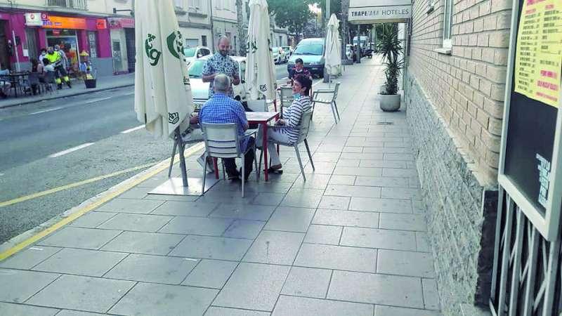 Imagen de archivo de una terraza en Burjassot. / epda
