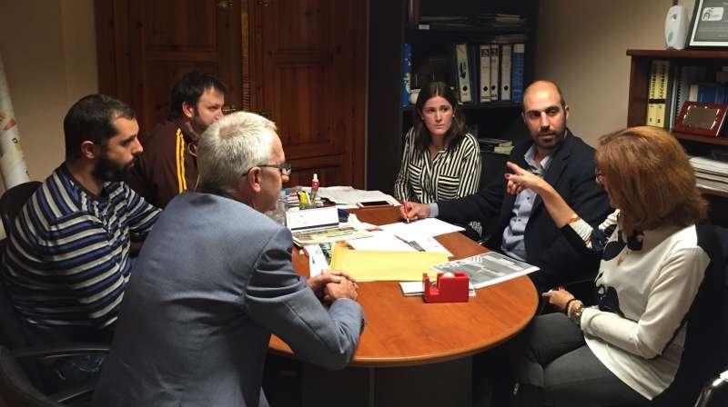 El diputado de Carreteras, Pablo Seguí, se ha reunido con la alcaldesa de Albalat dels Tarongers, Teresa Pérez