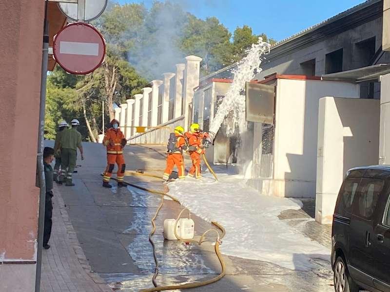 Labores de extinción del incendio. EPDA.