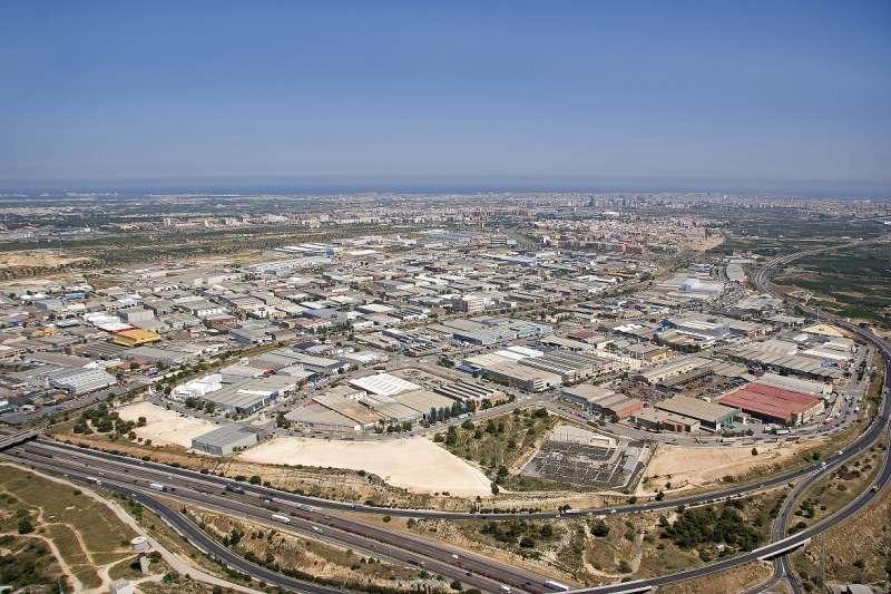 Fuente del Jarro es la zona industrial que más ayudas recibe del Ivace. / EPDA