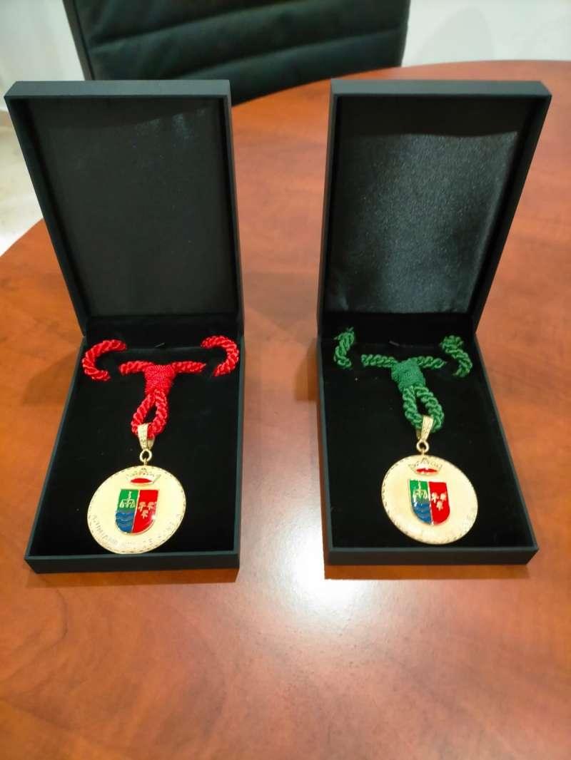 Medallas de oro para voluntarios y sanitarios