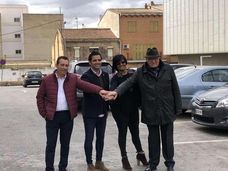 Sagredo, con los integrantes de Aspanion. EPDA