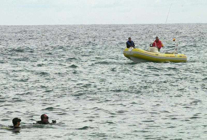 Un hombre muere ahogado en una piscina en Peñíscola y otro en el mar en Burriana Equipos de rescate en el mar. EFE/Archivo