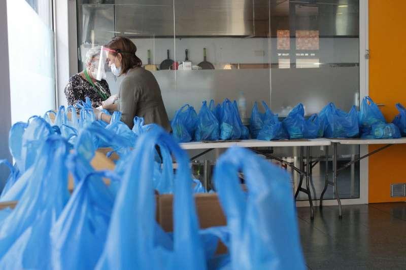 Reparto de alimentos en Alaquàs