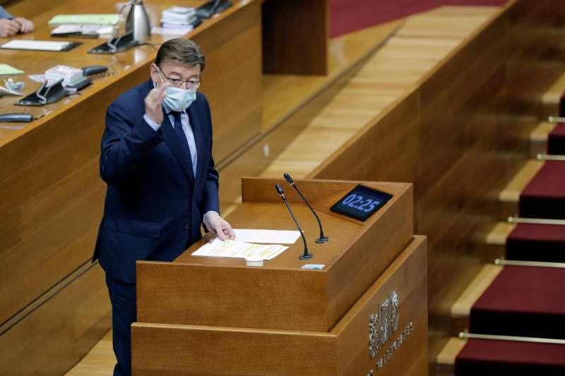 El president de la Generalitat, Ximo Puig, interviene en la sesión de control en Las Cortes Valencianas.
