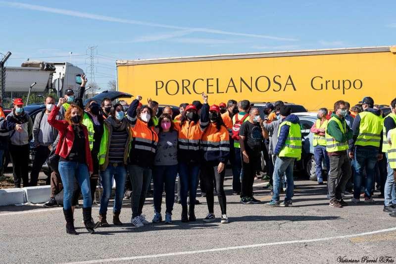 Un grupo de trabajadoras en una de las concentraciones recientes. Foto: Victoriano Parral
