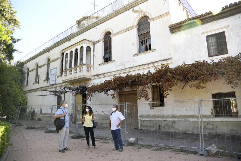 Visita técnica a la instalación de la alcaldesa de Paiporta, Isabel Martín, los concejales de Urbanismo y Bienestar Social./ EPDA