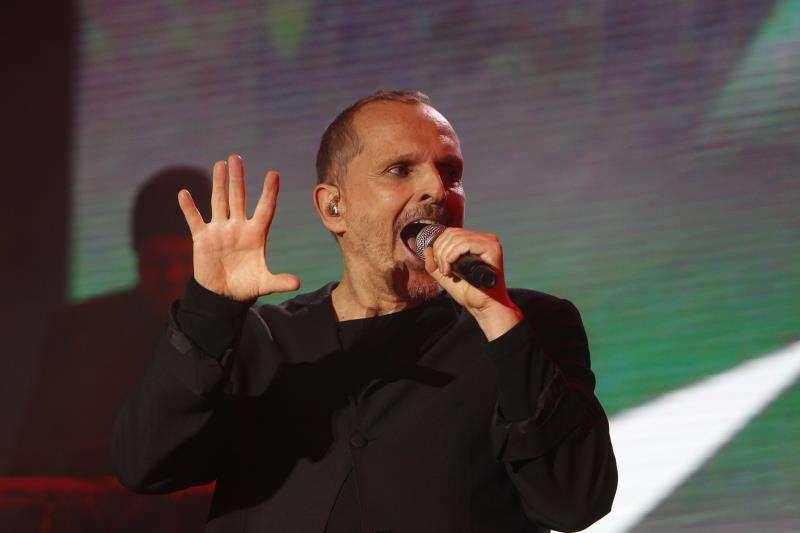 El cantante español Miguel Bosé durante un reciente concierto en Medellín (Colombia). EFE/Archivo