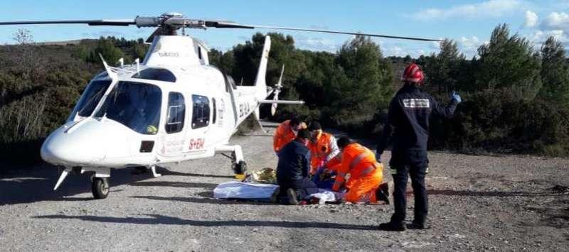 Imagen de un helicóptero medicalizado.
