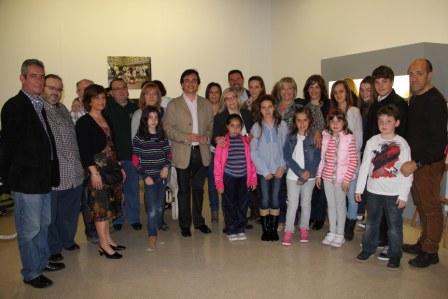 Foto familia del Grup de Danses Repicó de Manises. FOTO: EPDA
