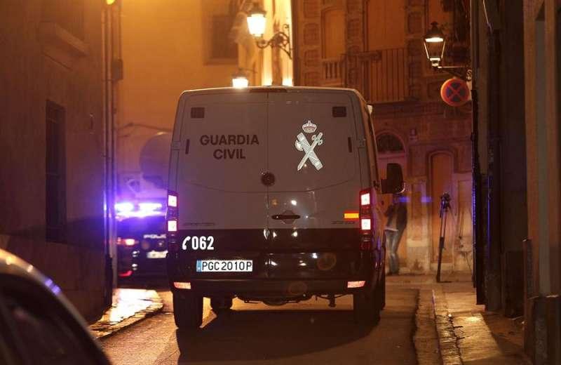 Agentes de la Guardia Civil, en una intervención. EFE/Manuel Bruque