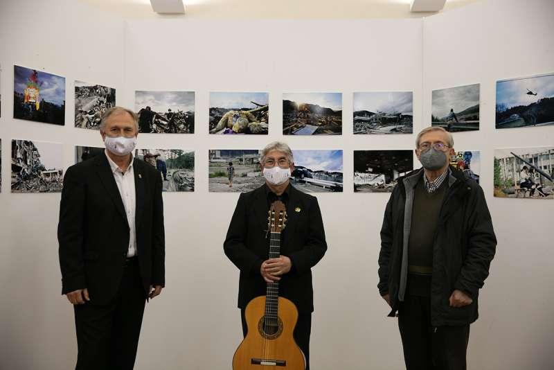 Representantes de la Agrupación Musical Edetana