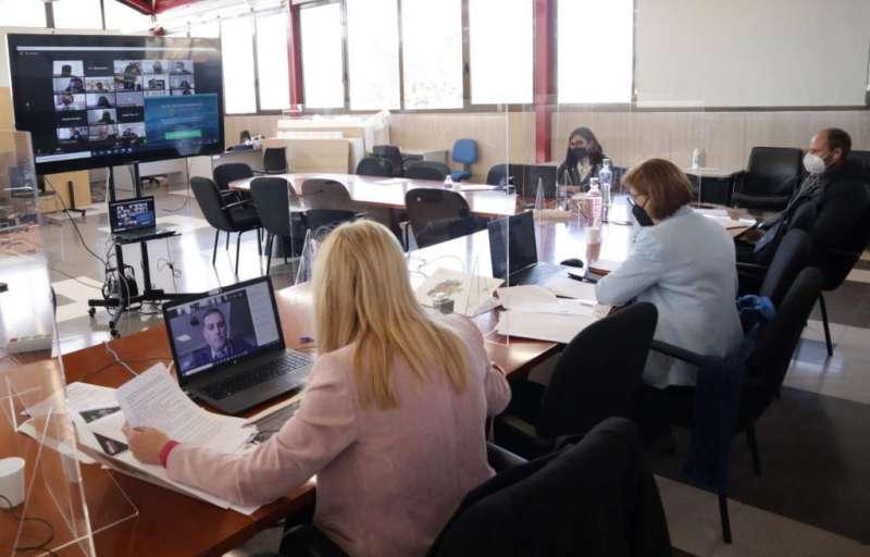 Mesa de formación telemática de la Mancomunitat. / EPDA