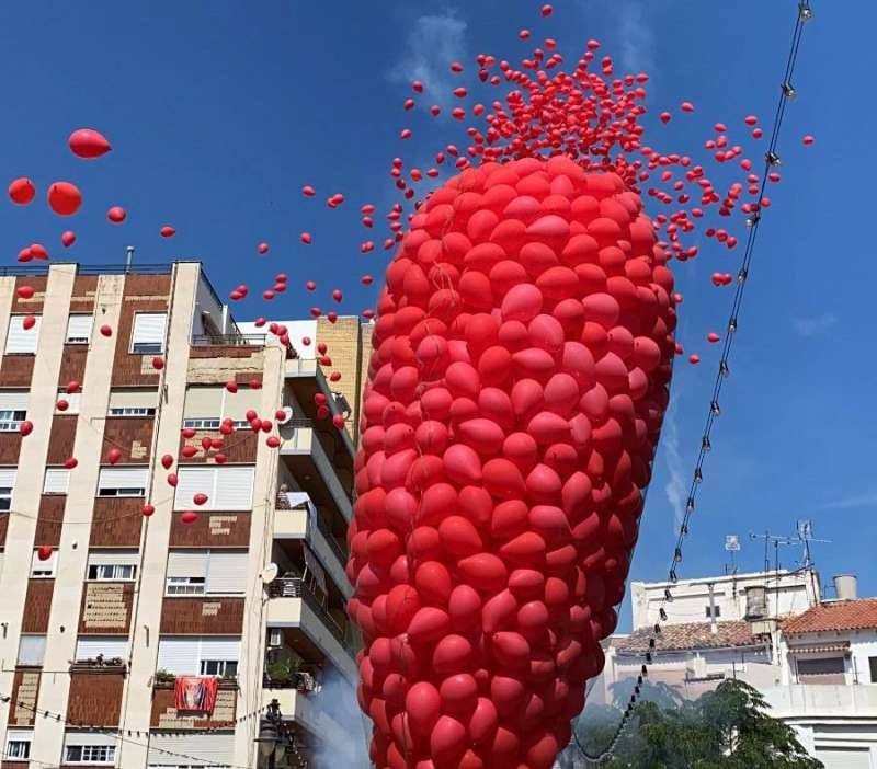Carcasa y suelta simbólica de 2000 globos biodegradables recordando que el espíritu de la Tomatina sigue vivo. / EPDA