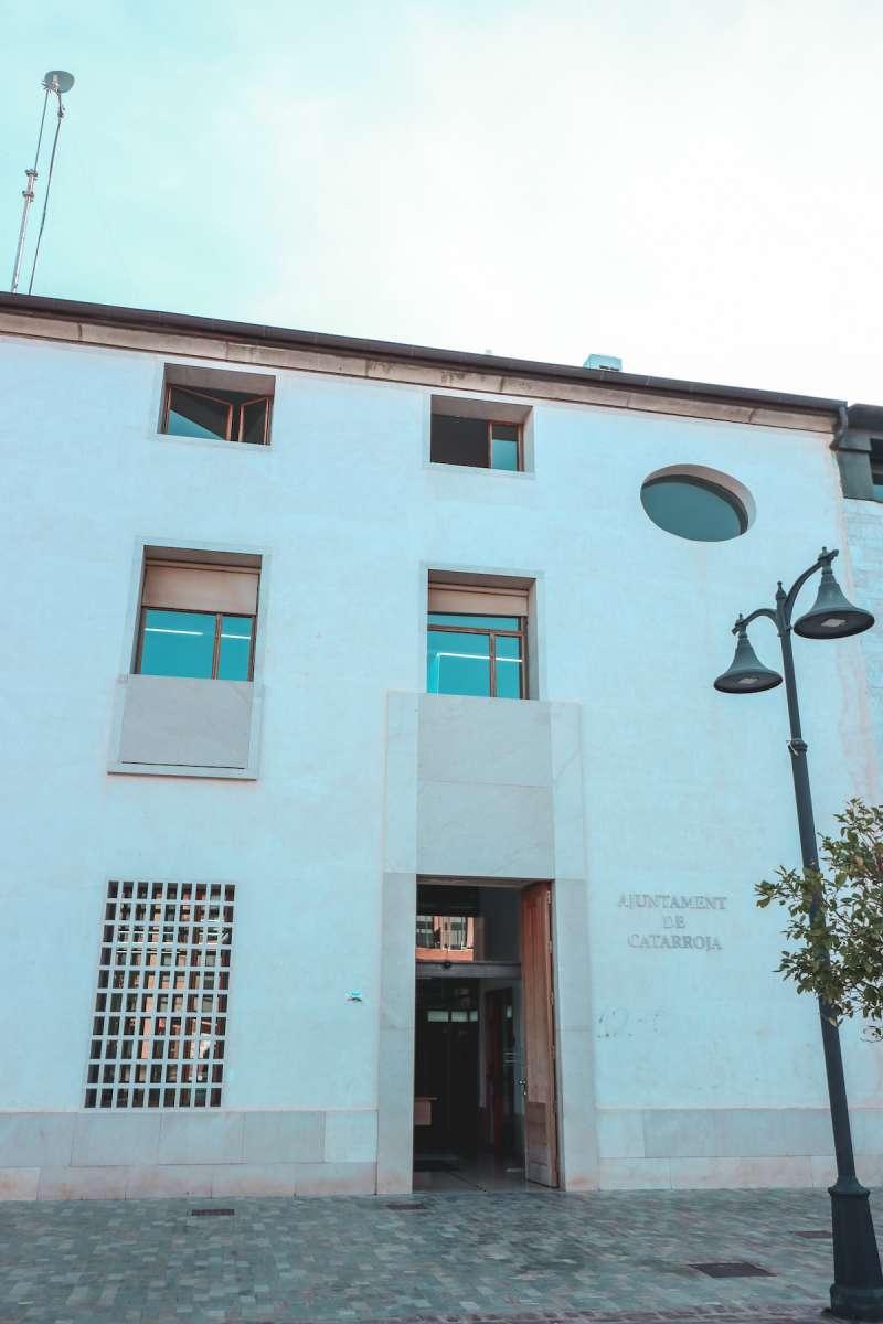 Fachada del Ayuntamiento de Catarroja.