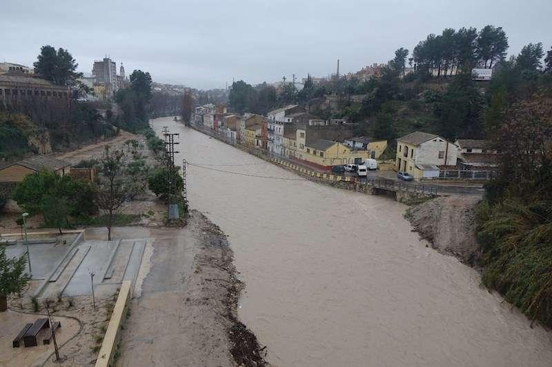 Imagen del río Clariano a su paso por Ontinyent, facilitada por el Ayuntamiento. EFE