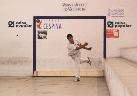 Víctor de Meliana y Monrabal de Vilamarxant protagonizaran una final de gran nivel. FOTO: EPDA.