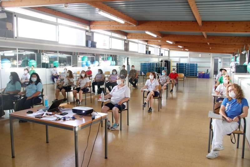 Sesión formativa de actualización sobre limpieza y desinfección específica para la lucha contra el Covid-19./ EPDA