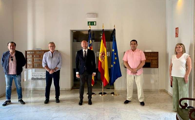 Toni Gaspar en la reunión con los representantes del Gremio. EPDA