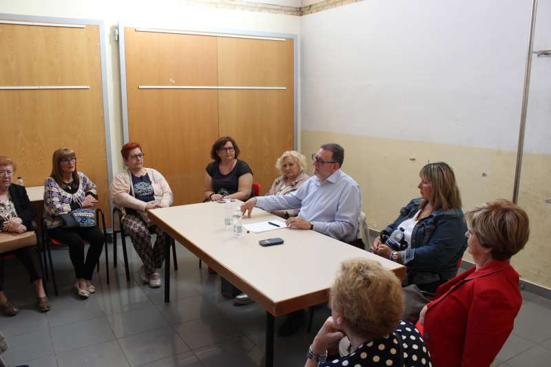 Encuentro de Jesús Ros con mujeres de Torrent