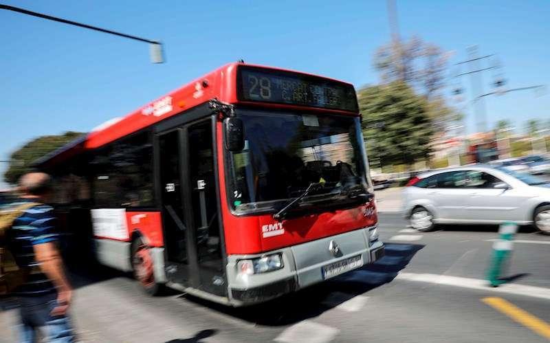 Un autobús de la Empresa Municipal de Transportes (EMT) de Valencia.
