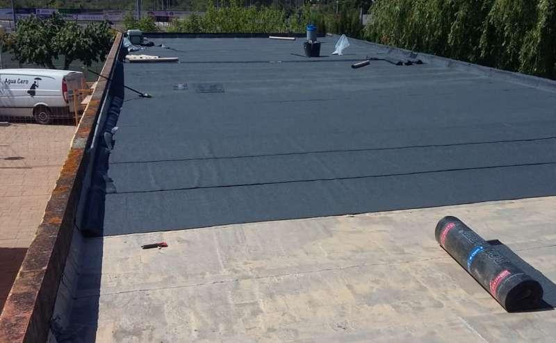 Nueva cubierta de las instalaciones de la piscina de Cabanes