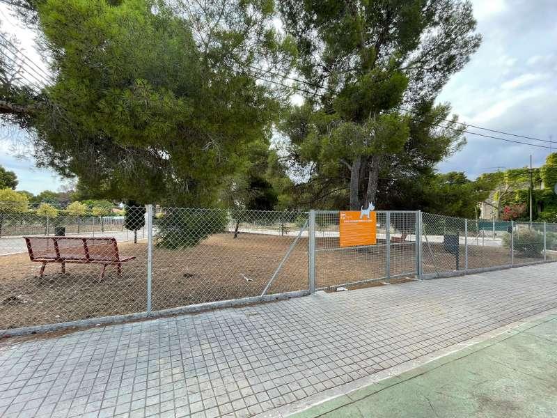 Paterna construye una nueva zona de esparcimiento canino. EPDA
