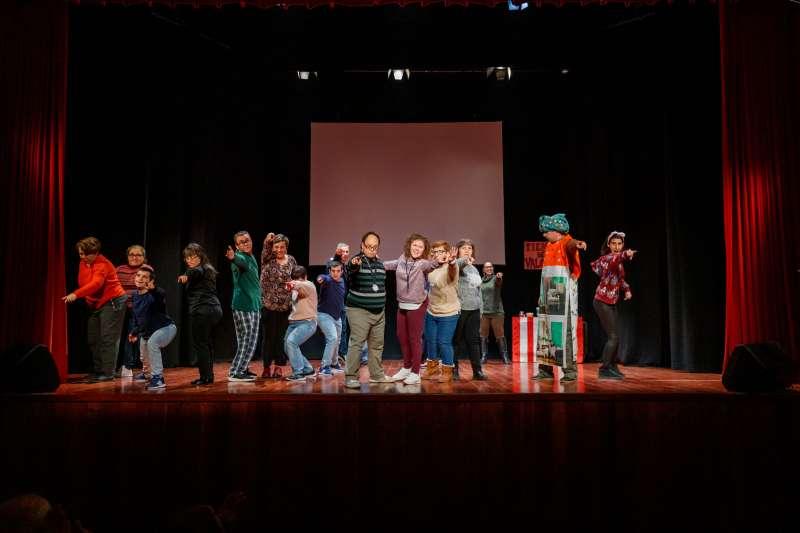 Momentos de la fiesta en el Centro Cultural Carmen Alborch. EPDA