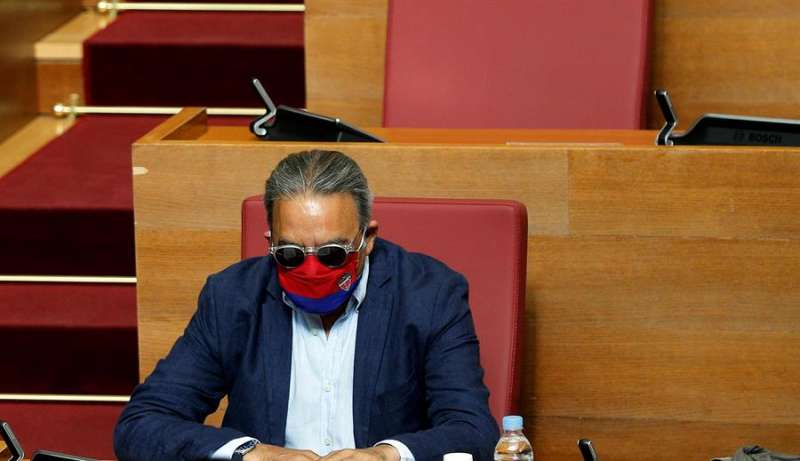 El portavoz del grupo socialista Les Corts Valencianes, Manolo Mata.EFE