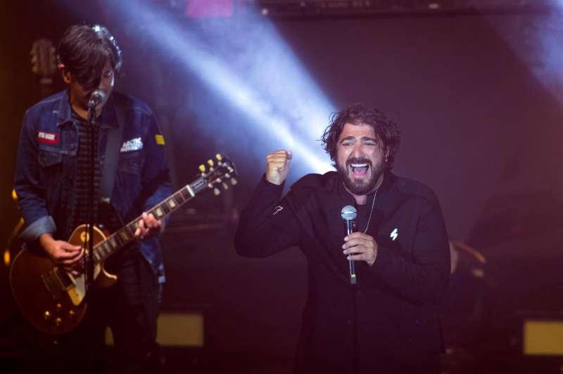 El cantante Antonio Orozco ofrece un concierto.