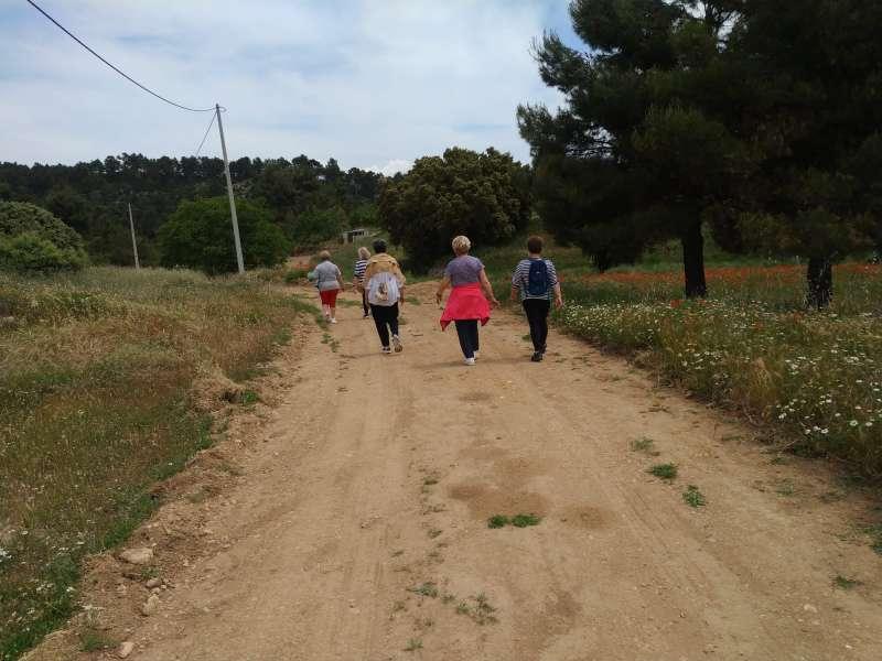 Mujeres paseando por la naturaleza. EPDA.