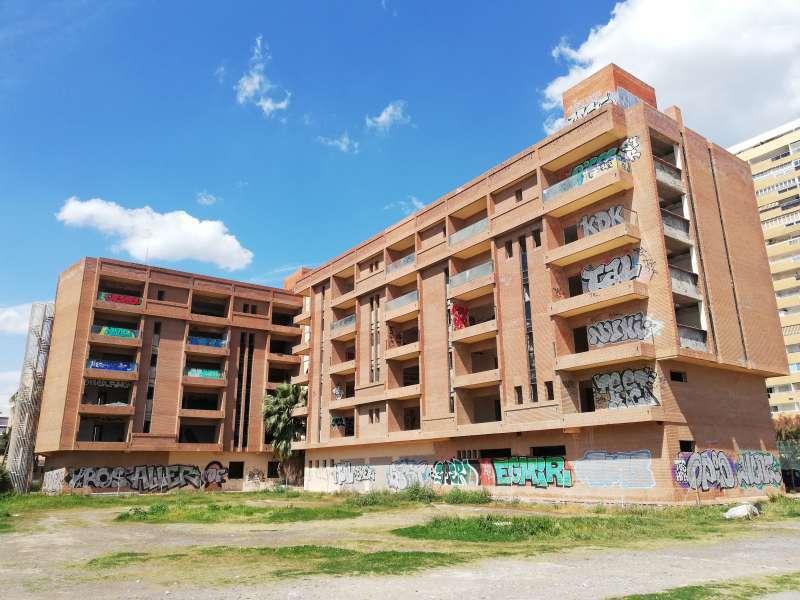 Edificio Áncora ubicado en la playa de La Pobla de Farnals. EPDA