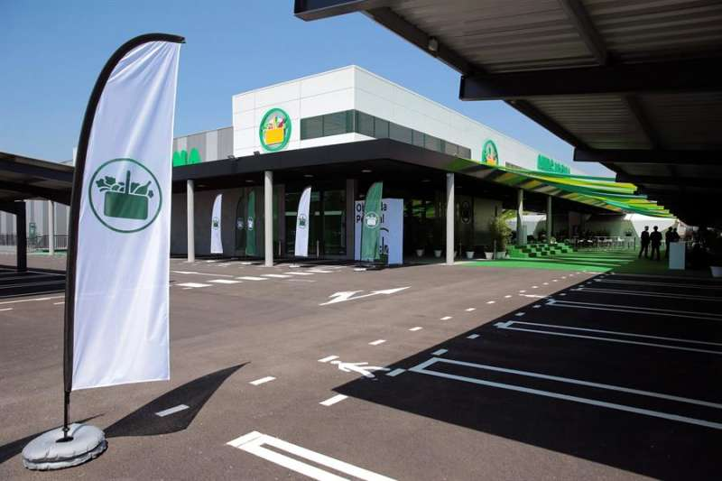 Exterior de un supermercado de Mercadona en Portugal. EFE/Carlos García/Archivo