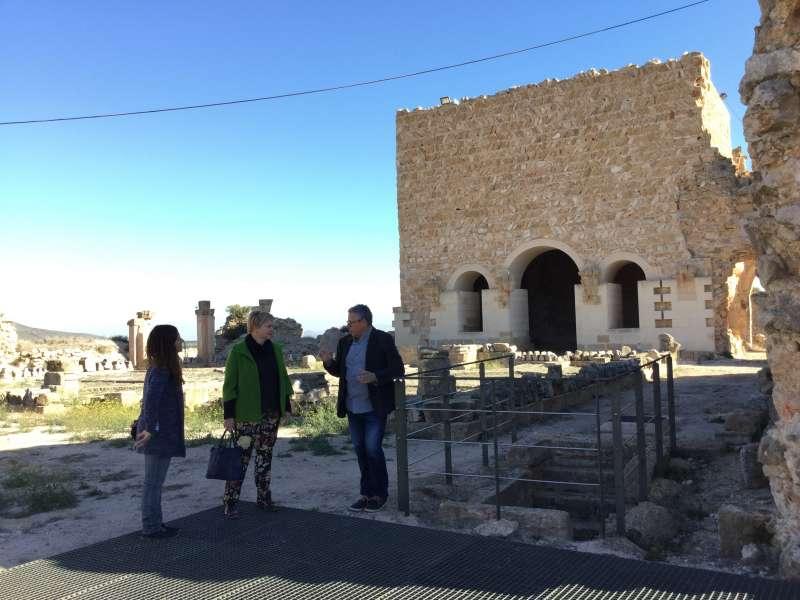 Visita de la diputada provincial de Turisme a Montesa y la alcaldesa del municipio.