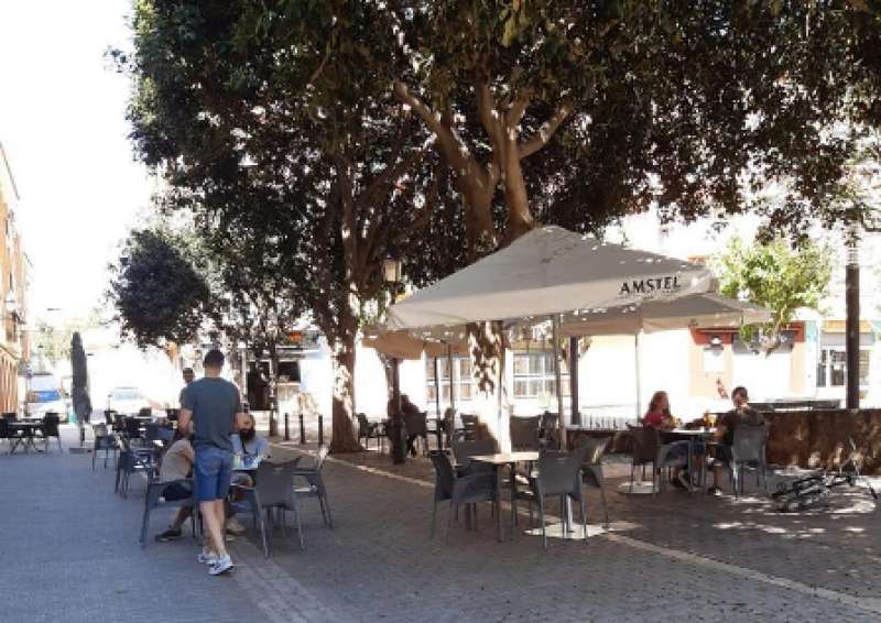 Una de las terrazas abierta en Paterna. EPDA