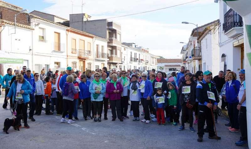 Participants de la cursa contra el càncer a Estivella. EPDA