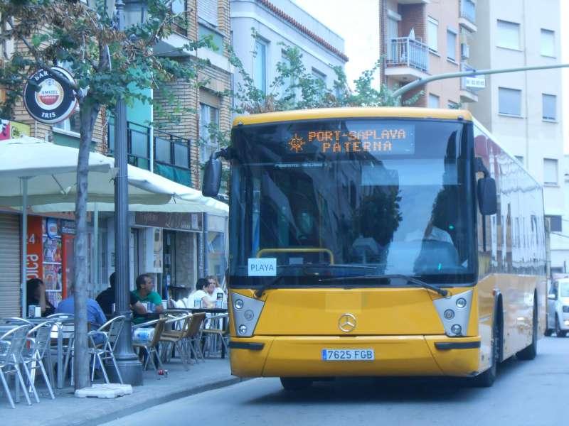 El autobús que conecta Paterna con la playa. EPDA