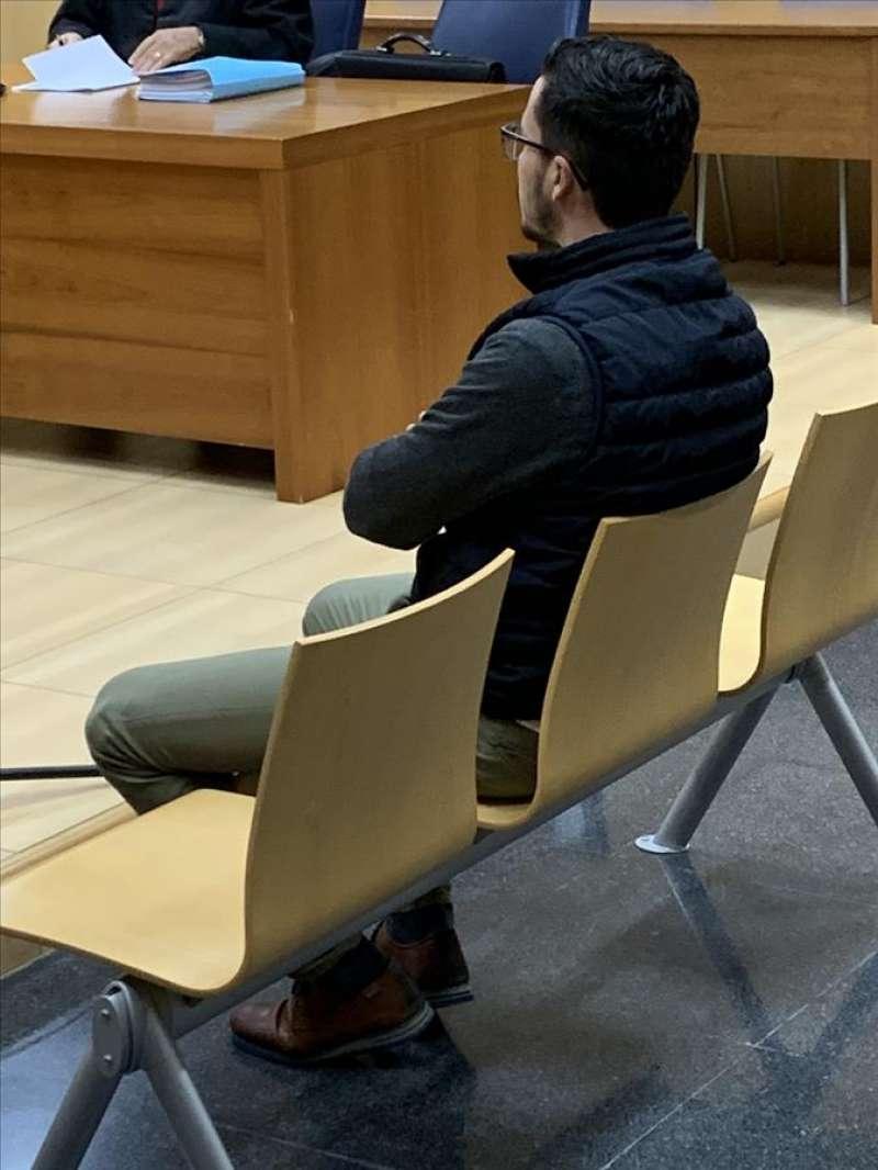 El acusado durante un momento del juicio. EFE/QUICO TOMÁS
