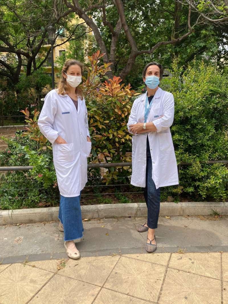 Las doctoras Olga Pons y Elena Oliete.