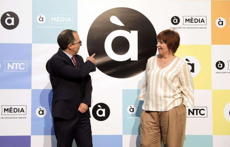 El presidente de la CVMC, Enrique Soriano, y la directora general de À Punt, Empar Marco. EFE/Archivo