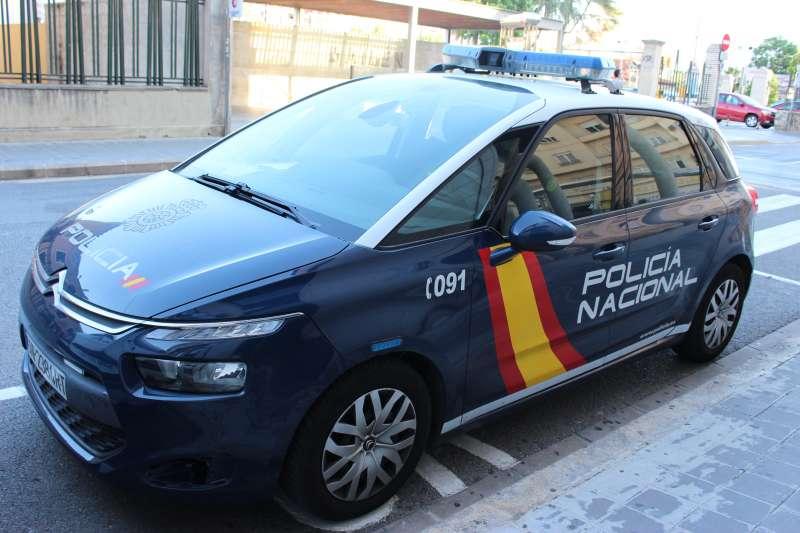 Coche de la Policía Nacional de València.