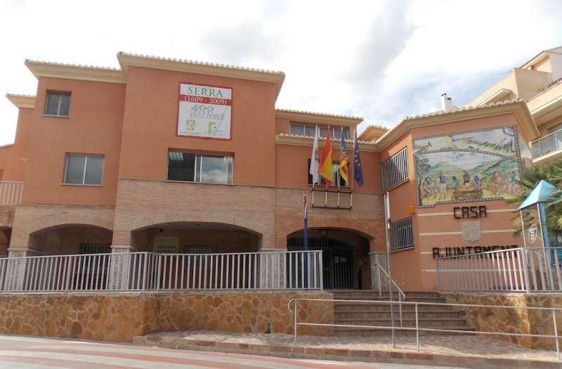 Ayuntamiento de Serra. EPDA.
