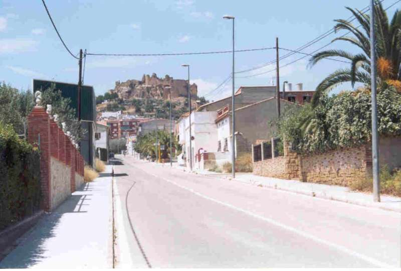 Imagen de archivo de Montesa con el castillo al fondo.