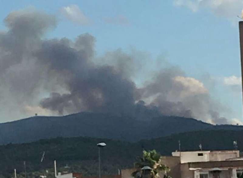 El centro del incendio está en los límites de Gátova con Altura.