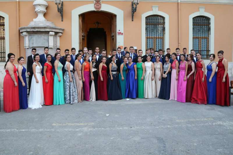 Foto de familia de os asistentes a la gala de la Fiesta de la Vendimia