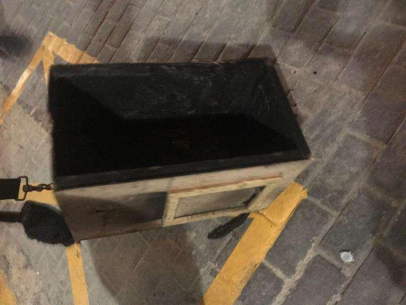 La caja de cohetes, en una imagen facilitada por el Ayuntamiento. EFE