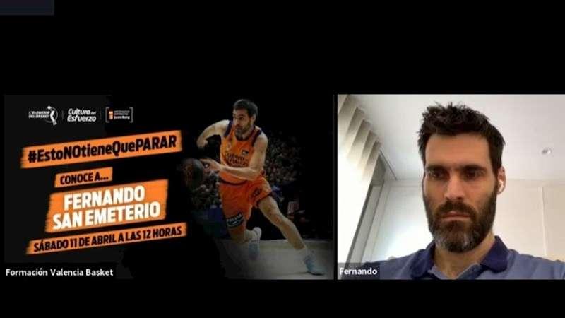 Los jugadores de los primeros equipos dan charlas a los de la cantera. Imagen facilitada por el Valencia Basket. EFE