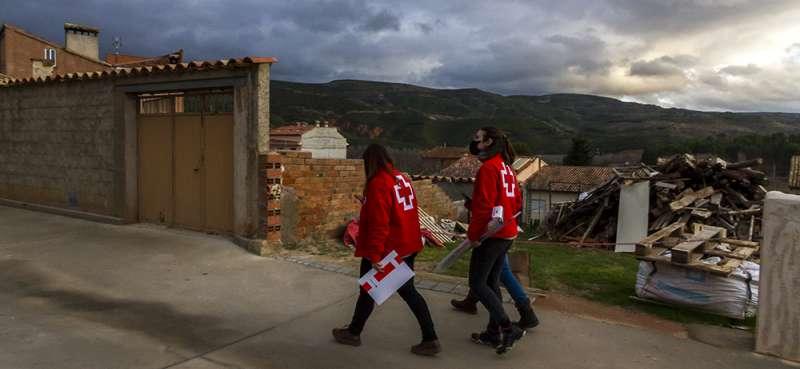 Cruz Roja en su labor de